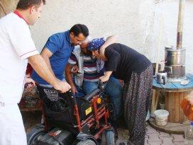 Ribat tekerlekli sandalye dağıttı