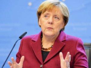 Merkelden kritik Türkiye açıklaması!