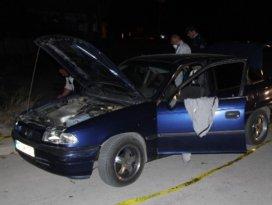 Otomobilde oynadıkları çakmak gazı tüpleri patladı