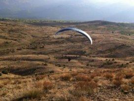 Seydişehirde yamaç paraşütü denemesi başarılı oldu