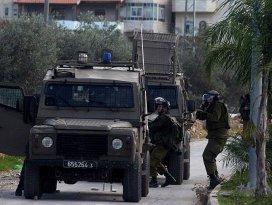 İsrail askerleri Hamas Milletvekilini gözaltına aldı