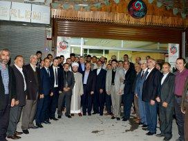 Başkan Akyürek, Gül Gençlik Derneğini ziyaret etti