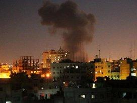 İsrail uçakları Gazzeyi vurdu