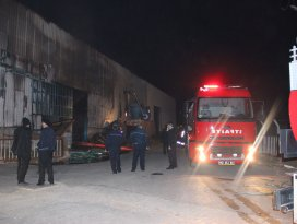 Konyada kereste fabrikasında yangın