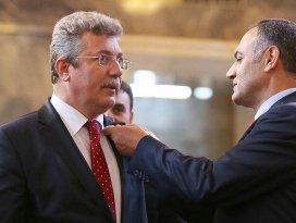 Mecliste ilk kaydı AK Partili Akbaşoğlu yaptırdı