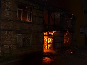 Taş ev yandı