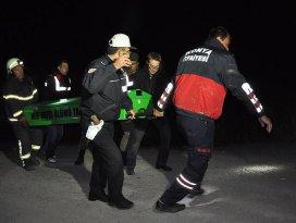 Cenazeden dönen ticari araç devrildi: 4 ölü 2 yaralı