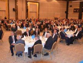 AK Parti Konya ailesi yemekte bir araya geldi