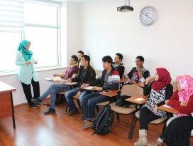 """Yabancı uyruklu öğrencilere """"Türkçe"""" eğitim"""