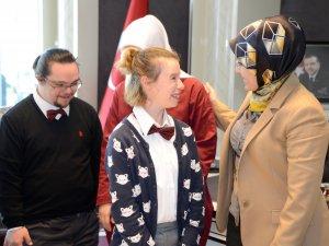 Down sendromlu gençler Başkan Toru'yu ziyaret etti
