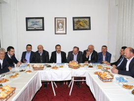 AK Parti Hadimde teşekkür yemeği
