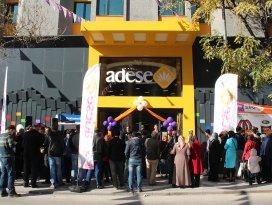 Zafer Adese Mağazası yenilenen yüzüyle hizmete açıldı