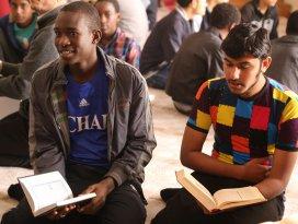 49 ülkeden gelen öğrenciler hafızlık eğitimi alıyor