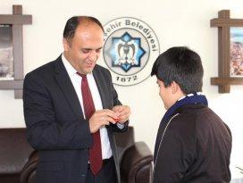 Beyşehirli milli sporcu altınla ödüllendirildi