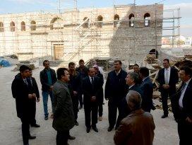 Başkan Akyürek Alaaddin Camii'nde incelemelerde bulundu