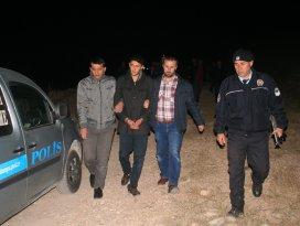 Polis katil zanlısını yakalamak için 300 kişiyle görüştü
