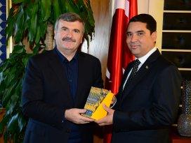 Türkmen Heyet Başkan Akyürek'i ziyaret etti