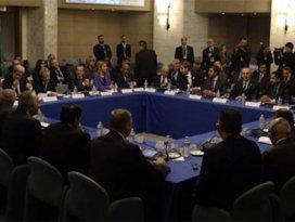 Libya'daki hükümetler, birleşiyor