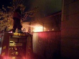 Diyarbakırda teröristler okulu ateşe verdi