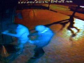 Hırsızlar güvenlik kamerasında