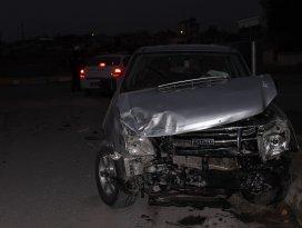 Konyada belediye otobüsü ile pikap çarpıştı: 8 yaralı
