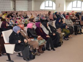AK Parti'den Kutlu Doğum Programı