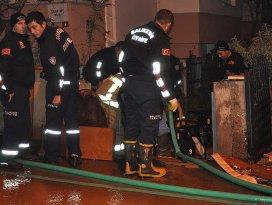 Balıkesirde su borusu patladı: 1 ölü, 2 yaralı