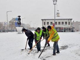 Akşehir Belediyesi kış şartlarına hazır