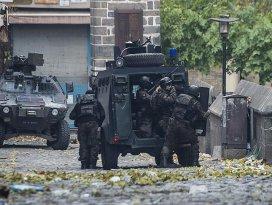 Surda terör saldırısı: 1 polis şehit