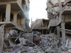 Esed güçleri sivilleri vurdu: 20 ölü, 50 yaralı