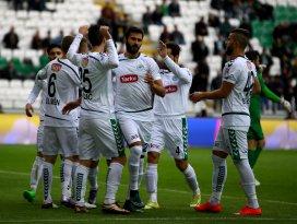 Torku Konyaspor liderliği iki golle aldı