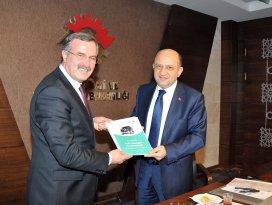Konya'nın yerli otomobil raporu Bakan Işık'a iletildi