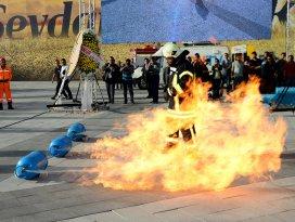 İtfaiye 2015'te 8 bin 296 yangına müdahale etti