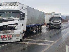 Akşehir'de iki tır çarpıştı: 1 yaralı