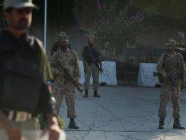 Pakistanda üniversiteye kanlı saldırı