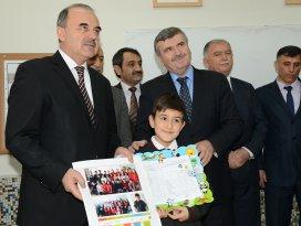 Başkan Akyürek, karne heyecanına ortak oldu
