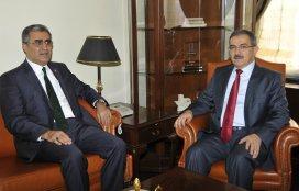 Rektör Prof. Dr. Şahin'e tebrikler sürüyor