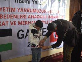 RİBAT Gazzede 10 bin yetim giydiriyor