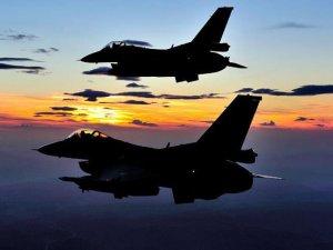 Mısırda F-16 savaş uçağı düştü