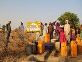 İHHdan Afrikaya su kuyusu