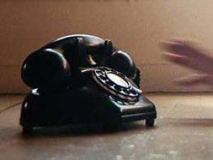 Sabit telefonla konuşmak cepten pahalı