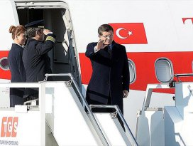 Başbakan Davutoğlu İngiltereye gitti