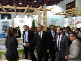 Dışişleri Bakanı Çavuşoğlu Torku Standında