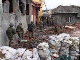 Surda sıkışan PKKlıar teslim olmaya başladı