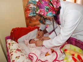 Karatayda 24 bin 800 bebeğe plaketli karşılama
