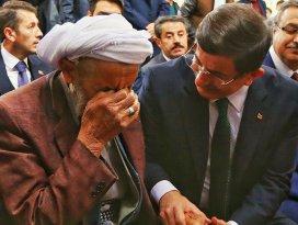 Başbakan Davutoğlu Silopide cuma namazı kıldı
