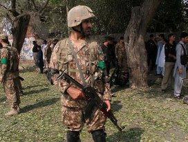 Pakistanda mahkemeye intihar saldırısı: 8 ölü,14 yaralı