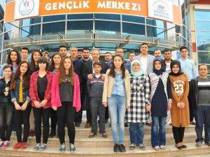 Başkan Akkaya öğrencilerle bir araya geldi