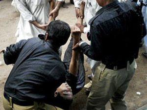 Pakistanda polis noktasına saldırı:4 ölü