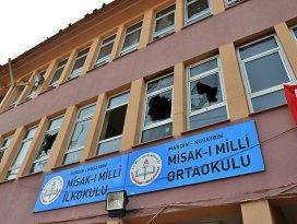 Teröristler üs gibi kullandıkları okulu ateşe verdi
